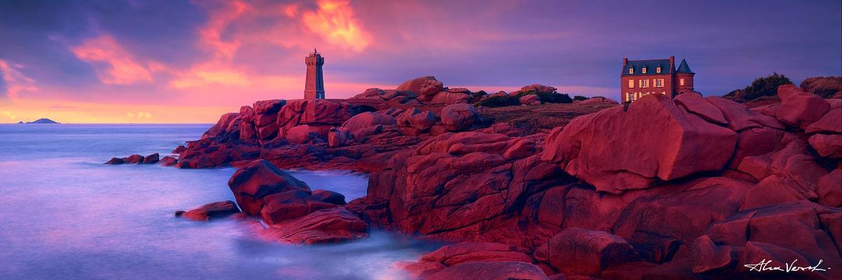 Limited edtion, Fine Art, Hyperion, Alexander Vershinin, France photography, Phare de Ploumanach Lighthouse, shelter, coast, loneliness, photo