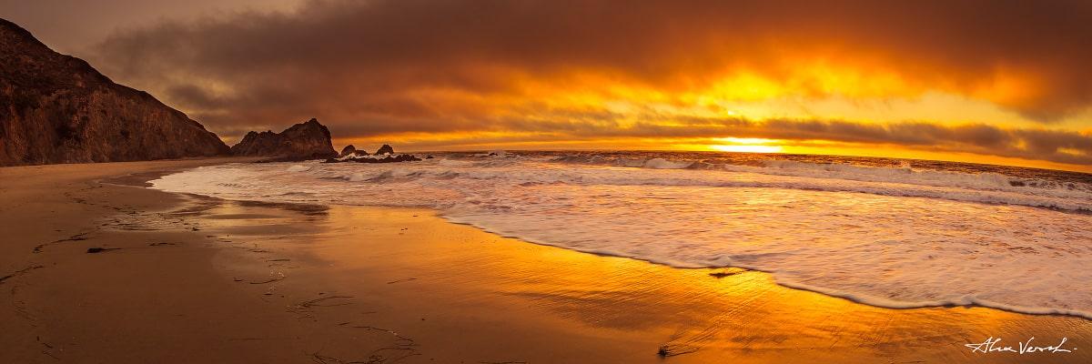 Limited edtion, Fine Art, The Calling, Alexander Vershinin, California Landscape Photography, californian beach, sand beach, slowmo waves, photo