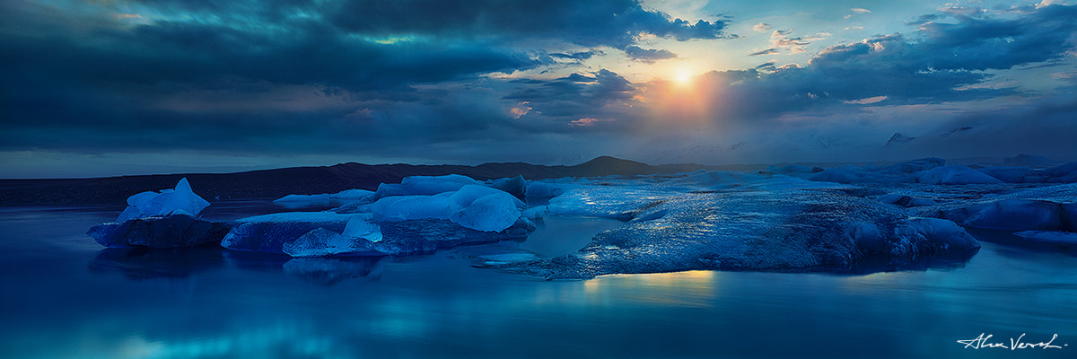 Limited edtion, Fine Art, The Night Stalker, Alexander Vershinin, famous icelandic glacier Jokursarlon, Icelandic Photography Collection, photo